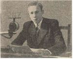image of Radio Station 2NZ Announcer Ray Vickery